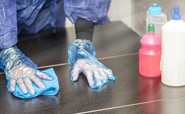 Prodotti igienizzanti e disinfettanti in emergenza da Covid-19: gel per le mani e prodotti per le superfici.